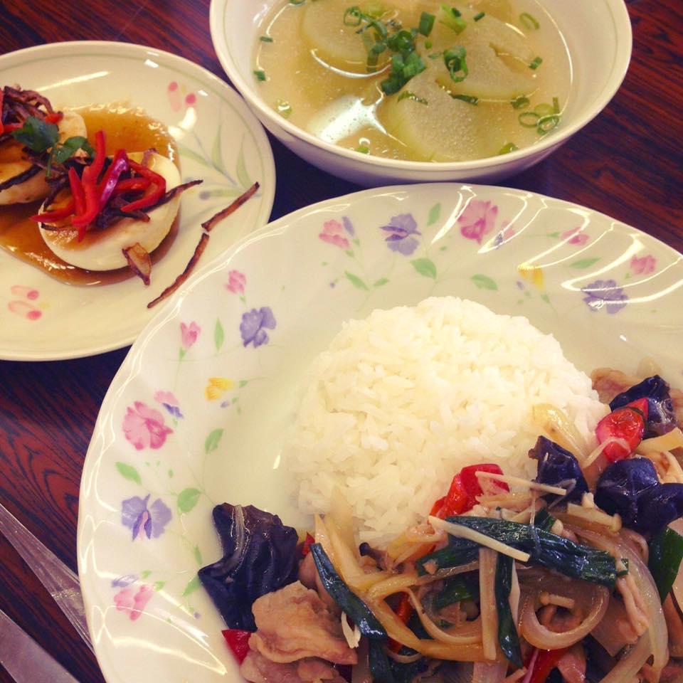 タイ風料理 豚肉ときのこの生姜たっぷり炒め