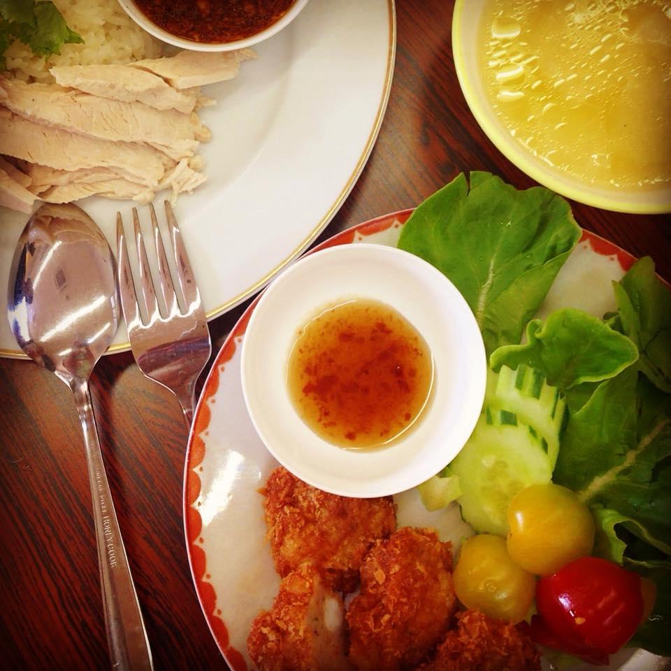 トートマンクン+ナムチムブアイ 海老のすり身揚げ 梅ソース添え