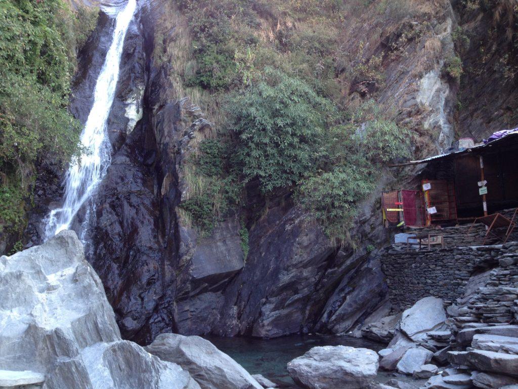 ダラムサラの滝
